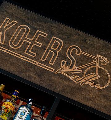 Inrichting van het Koerskaffee in Roeselare
