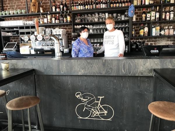 Sharon en Carine Koerskaffee
